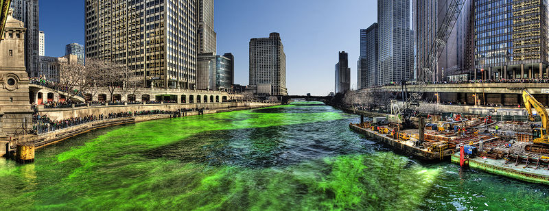 Green_Chicago_River_on_Saint_Patricks_Day_2009 - SOI - Wikipedia Commons