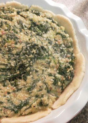 Erbazzone - Add filling to crust