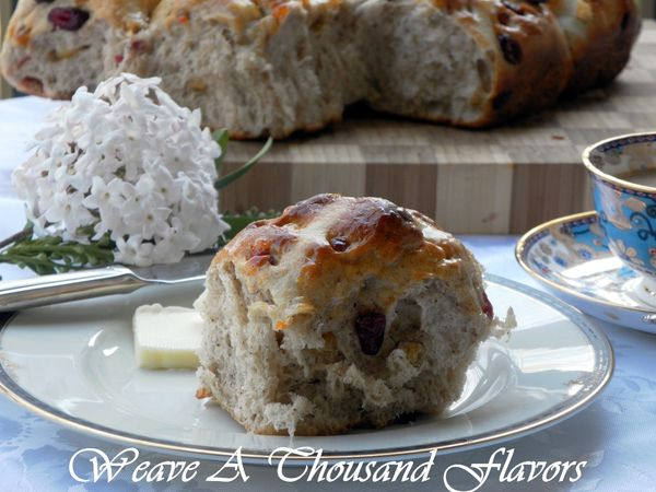 An Easter Delight ~ Pull-Apart Hot Cross Buns with Apricot Glaze ...