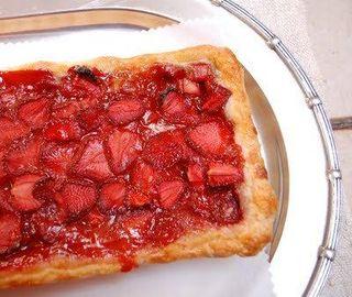 Strawberry+rhubarb+and+rye+bread+048
