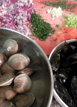 Tuscan Mussel & Clam Soup- Prepare  Ingredients 2