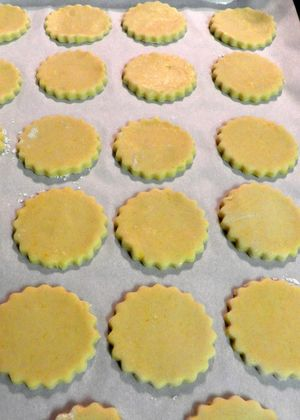 Alfajores - Cookies on baking tray02