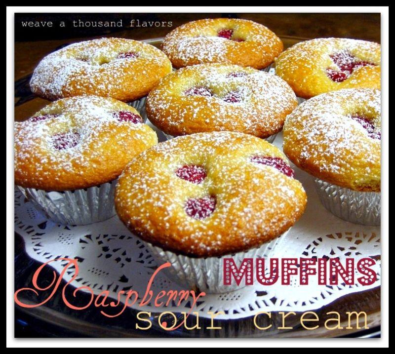 Raspberry sourcream muffins-1